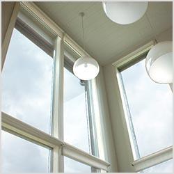 Tapijola-ikkunat sisäpuolelta
