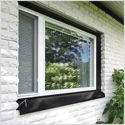 Tapijola-ikkunat ulkopuolelta